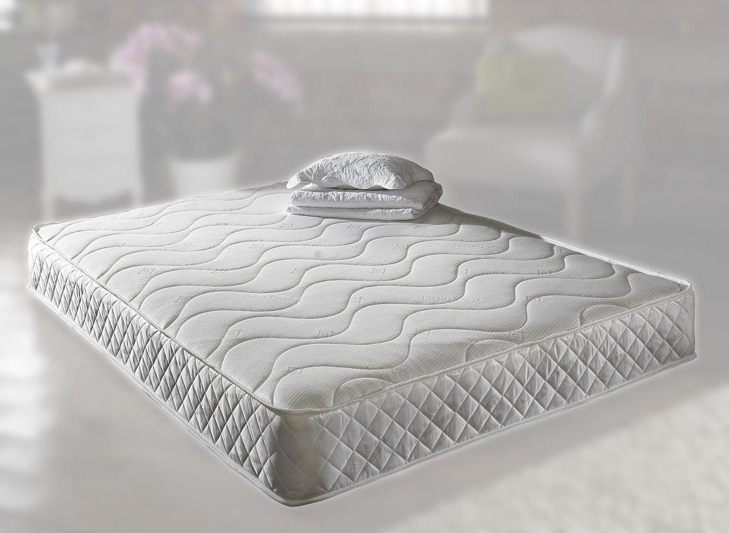 4ft 6in Double Pearl Memory Foam Mattress In White - 25cm deep